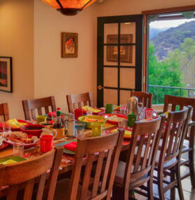 Dining, Topanga Canyon Inn
